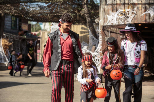 Spooky Farm Family trick or treating on Main Street near Blacksmith 2017